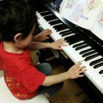 4歳男の子ピアノ